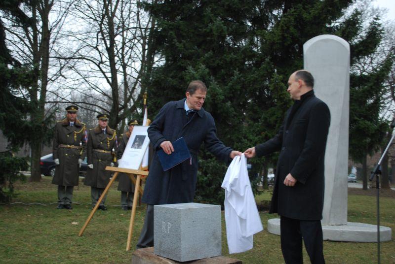 Pietní akt - generálmajor Rudolf Pernický-08