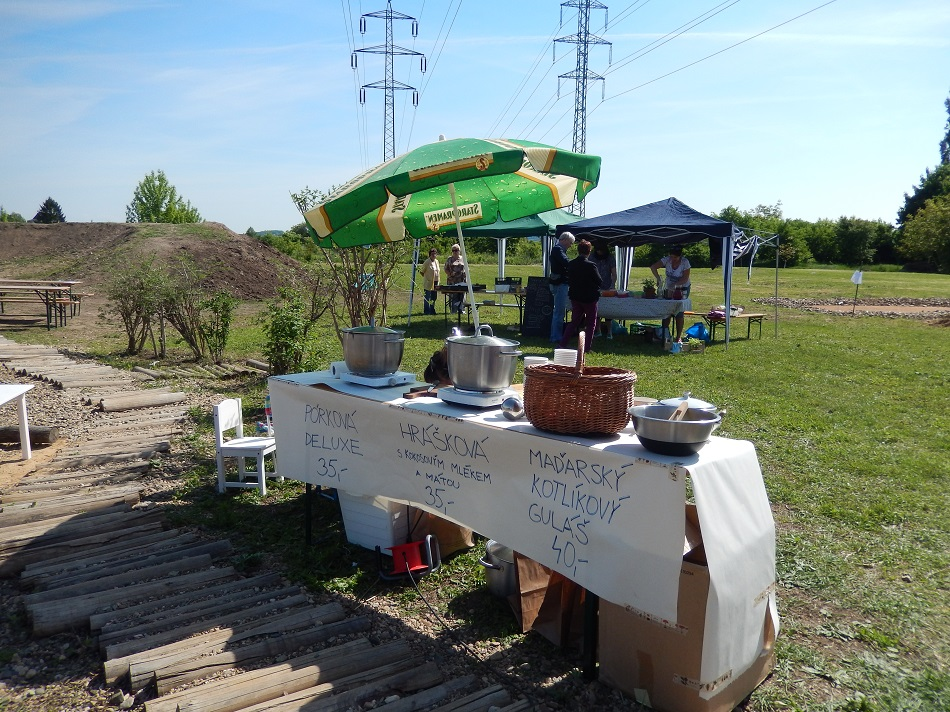 Restaurant Day na Komunitní zahradě, sobota 16.5. 2015