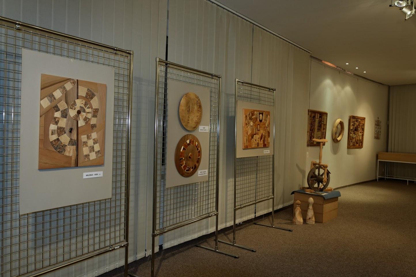 výstava Díky dřevu