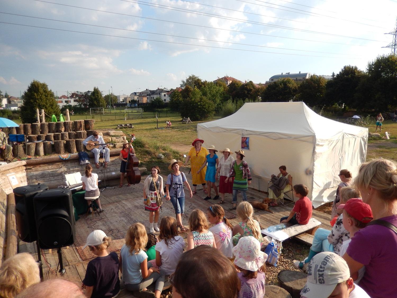 Ochotní Suchdolníci - 8 DÁRKŮ PRO KLÁRKU, 9.9.2016