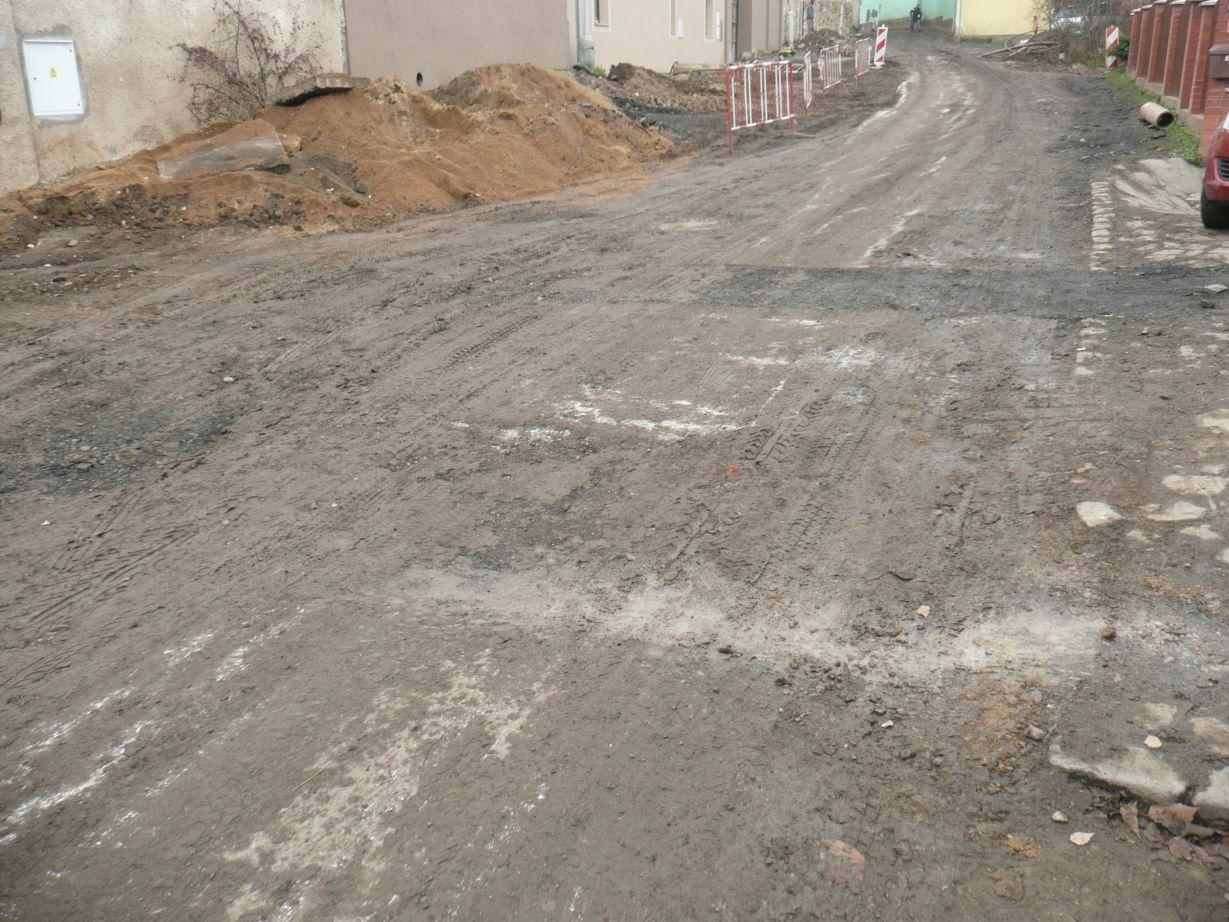 Ke Kozím hřbetům - výstavba kanalizace, 2016